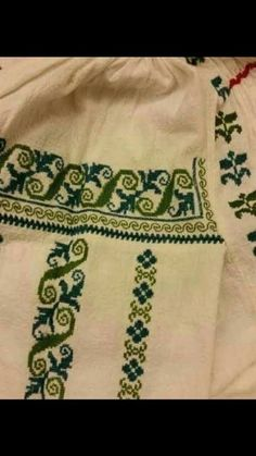 Messenger Bag Patterns, Palestinian Embroidery, Shirt Embroidery, Traditional Outfits, Pixel Art, Crochet, Projects To Try, Cross Stitch, Sewing