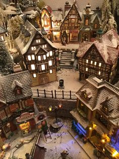Very effective use of powder snow in this Christmas village display. Very effective use of powder snow in this Christmas village display.