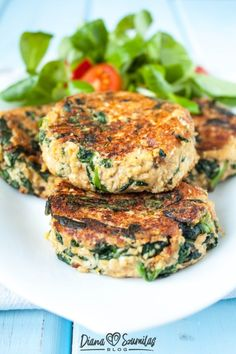 Tofu Burger, Vegan Burgers, Salmon Burgers, Vegetarian Recipes, Healthy Recipes, Spinach, Healthy Eating, Healthy Food, Food Porn