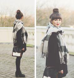 waaaant that kind of scarf :(