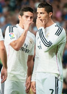 """Rodriguez & Ronaldo are like: """"OMG what if Suarez comes for me? Do you think he will try to mess up my hair to make me mad? HOW DARE HE!"""""""