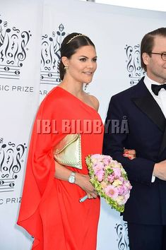 КОРОЛЕВСКАЯ СЕМЬЯ ШВЕЦИИ|SWEDISH ROYALS Princess Victoria Of Sweden, Crown Princess Victoria, Swedish Royalty, Casa Real, Sari, Models, Flower, Fashion, Princess