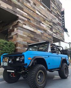 custom trucks parts Classic Ford Broncos, Classic Bronco, Classic Trucks, My Dream Car, Dream Cars, Dream Life, Bronco Truck, Bronco Ii, Early Bronco