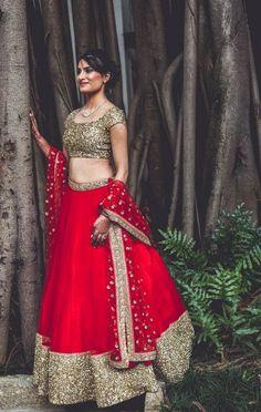 Want Priyanka Chopra's Red Lehenga for much less? I found some amazing designer lehengas that look just like Priyanka's Sabyasachi lehenga. Half Saree Designs, Lehenga Designs, Kurta Designs, Blouse Designs, Indian Wedding Outfits, Indian Outfits, Pakistani Dresses, Indian Dresses, Indian Bridal Lehenga