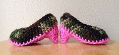 crochet baby high heels! pattern available on ravelry
