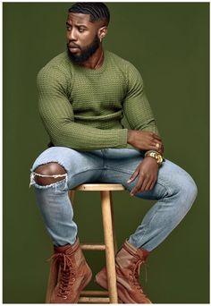 Sharing photos of black men to combat the erasure in the beard movement. Fine Black Men, Gorgeous Black Men, Handsome Black Men, Black Man, Beautiful, Mode Masculine, Business Casual Black Men, Fashion Mode, Mens Fashion