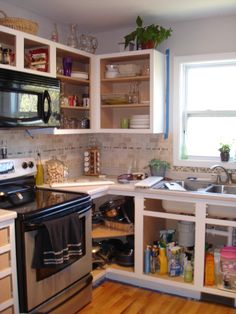 Tutorial for painting builder's grade kitchen cabinets
