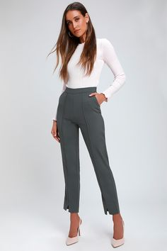 Show 'em who's a boss babe with the Lulus Aisha Charcoal Grey Trouser Pants! Woven fabric forms these high-waisted trousers with seamed detail and notched hems. Summer Work Outfits, Casual Work Outfits, Work Casual, Smart Casual Work Outfit Women, Casual Chic, Business Professional Outfits, Business Outfits Women, Professional Women, Women's Professional Clothing