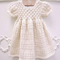 Kız Bebeklere Örgü Elbise Modelleri 123