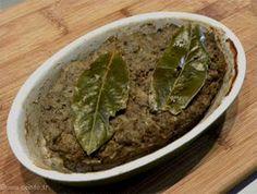 Voici ma recette de la terrine de pâté de campagne. Simple et rapide de préparation. Préparation : 20 minutes / Cuisson : 1 h 30 min...