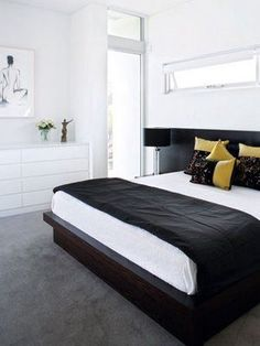 Which is Better for Bedrooms: Carpeting or Hardwood?: Rug helps make a bed room really feel more like a glamorous retreat. Standard Bedroom with High ceiling, Carpeting, Wood floorings, Horizon Furniture Full Toenail Button Boundary Headboard Dark Grey Carpet Bedroom, Bedroom Carpet Colors, White Wall Bedroom, Dark Carpet, White Carpet, Gray Bedroom, Bedroom Inspo, Modern Bedroom, White Walls
