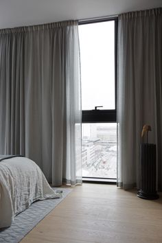 ESNY-Continental-apartments-Foto-Jesper-Florbrandt-3 Ceiling Curtains, Home Curtains, Curtains With Blinds, Modern Curtains, Living Room Modern, Living Room Designs, Living Room Decor, Bedroom Decor, Interior Windows