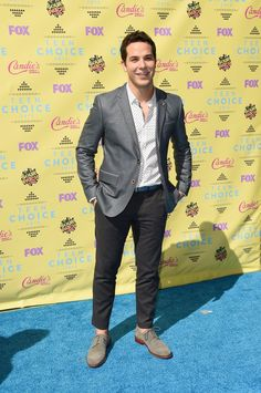 Pin for Later: Seht alle Stars bei den Teen Choice Awards! Skylar Astin