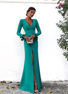 Elegant Long Sleeves Mermaid Evening Dress 2018 Emerald Green Satin Floor Length Formal Party Gowns Sexy Deep V Neck Side Slit Women Dresses Mermaid Evening Dresses, Evening Gowns, Prom Dresses, Formal Dresses, Elegant Dresses, Pretty Dresses, Beautiful Dresses, Evening Outfits, Groom Dress