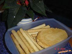Najlepšie Vianočné trubičky oplátky recept aj na slané Christmas Cookie Exchange, Christmas Cookies, Cheese, Homemade, Baking, Russian Recipes, Food, Polish, Sweets