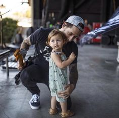 Aw, Ruby onstage with her dad. Adorable.