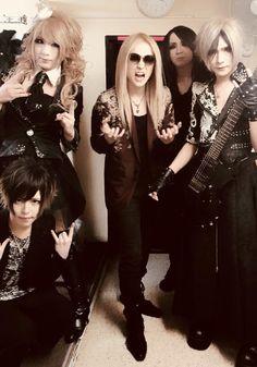 Jupiter Goth, Twitter, Style, Fashion, Gothic, Swag, Moda, Fashion Styles, Goth Subculture