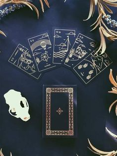 What Are Tarot Cards? Made up of no less than seventy-eight cards, each deck of Tarot cards are all the same. Tarot cards come in all sizes with all types of artwork on both the front and back, some even make their own Tarot cards Tarot Cards For Sale, What Are Tarot Cards, Golden Thread Tarot, Celtic Cross Tarot, Love Tarot Card, Online Tarot, Sacred Geometry Art, Tarot Major Arcana, Tarot Card Meanings