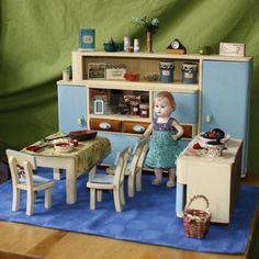 Antique Dollhouse, Dollhouse Toys, Antique Dolls, Vintage Dolls, Dollhouse Miniatures, Barbie Furniture, Dollhouse Furniture, Vintage Furniture, Retro Kids