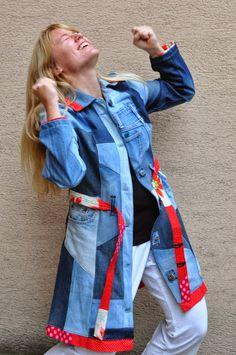 Genialer Patchwork-Mantel aus Jeans http://andrianaivo.blogspot.co.at/2013/09/ich-nah-mir-einen-jeansmantel-wip-teil.html