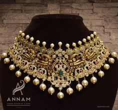 Heavy nakshi choker with rubies, emeralds and CZ stones. DM or WhatsApp us on 9000800209 for more details. Trendy Jewelry, Gold Jewelry, Fashion Jewelry, Diamond Jewelry, Gold Necklace, Indian Bridal Jewelry Sets, Indian Jewelry, Gold Set, Necklace Designs