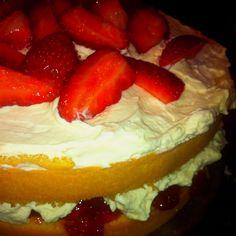 Strawberry sponge cake yum