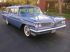 1959 Pontiac Bonneville Safari Station Wagon