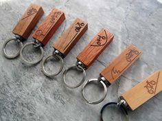 """Schlüsselanhänger - Schlüsselanhänger aus Holz """"Fahrrad"""" - Wunschtext - ein Designerstück von Dein-Lieblingsmensch bei DaWanda"""