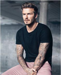 """David Beckham lại khiến fan nữ """"lao đao"""" vì quá đẹp trai"""