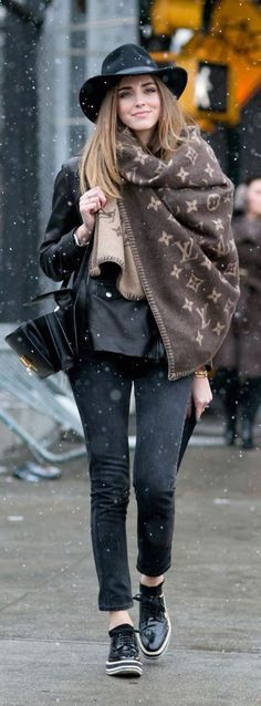 """New York Fashion Week Fall 2015 - """"Outfit ideas, by Chicisimo"""" Fashion iPhone app Street Style Outfits, New York Fashion Week Street Style, Mode Outfits, Fashion Outfits, Street Fashion, Fashion Boots, Street Chic, Street Outfit, Latest Outfits"""