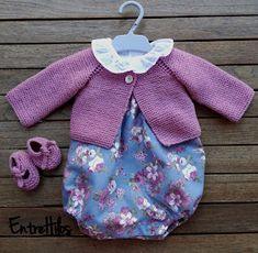 como hacer unos zapatitos o patucos con lazada Baby Boy Knitting Patterns, Knitting For Kids, Knit Patterns, Knitting Videos, Knitting Projects, Other Outfits, Kids Outfits, Crochet Baby, Knit Crochet
