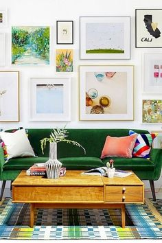 How to hang the perfect gallery wall. Gallery wall layouts are so beautiful but are so intimidating for the amateur interior designer. Here are our tips fro the perfect art photography wall. Interior Design For Living Room Apartment Interior Design, Decor Interior Design, Interior Decorating, Room Interior, Apartment Ideas, Colorful Interior Design, Interior Painting, Interior Ideas, Interior Styling