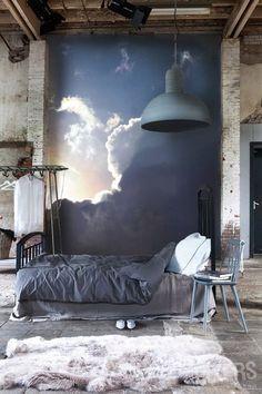 A veces te apetece cambiar alguna cosa en una habitación. No, no es el armario, tampoco esa silla, ... Es que me pide algo, un cambio,...Y si le doy un toque a la pared.... ...