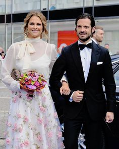 June 15, 2017 | Princess Madeleine arrives to the Polar Music Prize award ceremony. With her brother Prince Carl Philip.