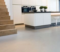 Resin floors by SENSO: sustainable seamless floors for every interior. We apply our floors for business, office, hotel or at home. Interior Stairs, Interior Architecture, Kitchen Flooring, Kitchen Dining, Nice Kitchen, Minimal Kitchen, Küchen Design, Kitchen Interior, Home Kitchens