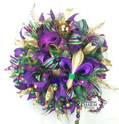 Deco Mesh Mardi Gras Ribbon Wreath for Door Fat Tuesday Wreath Mardi Gras Wreath, Mardi Gras Decorations, Mardi Gras Beads, Holiday Decorations, Deco Mesh Ribbon, Deco Mesh Wreaths, Door Wreaths, Ribbon Wreaths, Wreath Bows