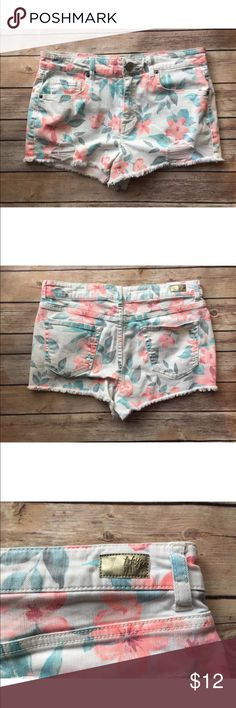 Tokyo Size 8 short jeans In excellent condition no stains rips or holes tokyo darlin Shorts Jean Shorts