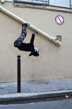 Dessin de rue – New Street Art creations by Levalet