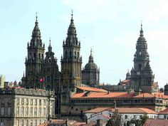 Cathedral of St. Andre - Admire the famous Gothic sculptures, the majestic Royal Door, and the beautiful Renaissance organ in this fabulous cathedral.