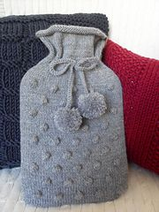 Ravelry: Bobble Hottie Cover pattern by The Craft Closet Easy Knitting Patterns, Knitting Kits, Knitting Projects, Crochet Projects, Hand Knitting, Crochet Patterns, Water Bottle Covers, Selling Handmade Items, Christmas Knitting