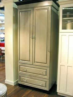 Integrated fridge fridge and freezer and toronto on pinterest for Kitchen cabinets that look like furniture