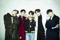 左から、ウソク、ユウト、ホンソク、シンウォン、イェンアン (PENTAGON)
