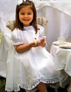 #111 Mar/Apr 07 - Little Girls Heirloom Dress with Gores