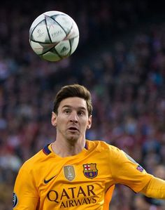 Barcelona's Argentinian forward Lionel Messi controls the ball during the Champions League quarter-final second leg football match Club Atletico de Madrid VS FC Barcelona at the Vicente Calderon stadium in Madrid on April 13, 2016.