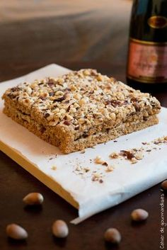 Dacquoise Noisettes - A delicious French dessert with nuts.