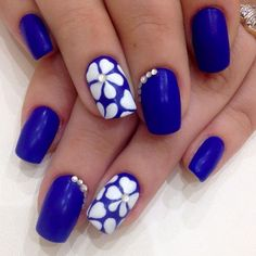 Whether you are painting your nails right now or plan to make your nails pretty later, we all could use a little motivation to get started. This is why we have 73 Best Nail Art You Have Ever Witnessed. This nail art includes everything from intricate designs to a simple one color set up with high quality nail lacquer.