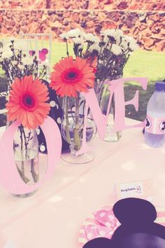 Elegant Kids Organisers treat every aspect of the event from concept to execution with the dedication needed to ensure a stress - free and memorable event. Minnie Mouse Party, Mouse Parties, 1 Year Birthday, Childrens Party, Party Themes, Centerpieces, How To Memorize Things, Concept, Elegant