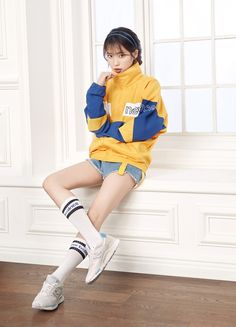IU selected as the new muse for global brand 'New Balance' Female Pose Reference, Pose Reference Photo, Art Reference Poses, Iu Fashion, Fashion Poses, Korean Fashion, Fashion Outfits, Vogue Fashion, J Pop
