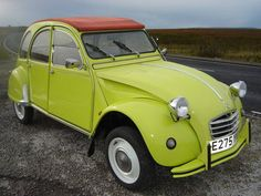 It's a really cool color. Citroen 2CV