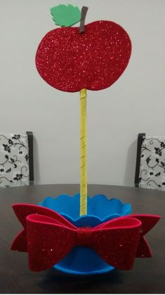 Sofia Party, Baby Party, Snow White Birthday, Apple Theme, Holidays And Events, Wedding Planner, Birthday Parties, Birthdays, Handmade Gifts